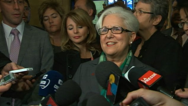 Louise Harel en point de presse après l'élection de Michael Applebaum