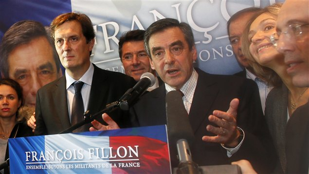 François Fillon réclame la victoire à la présidence de l'UMP.