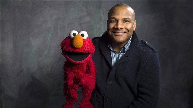 Kevin Clash et la marionnette d'Elmo