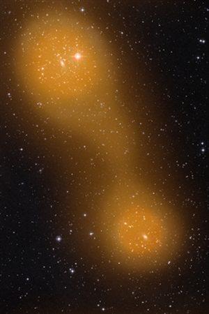 Représentation du pont de gaz chaud reliant une paire d'amas de galaxies.