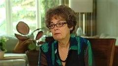Linda Venus, présidente de Chemo Savvy Inc, un groupe de survivantes du cancer du sein de Winnipeg qui font du bateau-dragon, en entrevue en novembre 2012.