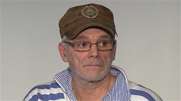 Réjean Cormier affirme avoir été brutalisé et blessé par deux policiers du Service de police de l'agglomération de Longueuil.