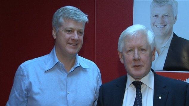 Harvey Locke, candidat du PLC dans Calgary-Centre pour l'élection partielle du 26 novembre 2012, et le chef intérimaire du Parti libéral, Bob Rae