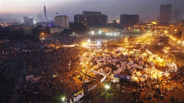 Des manifestants sur la place Tahrir, au Caire (archives)