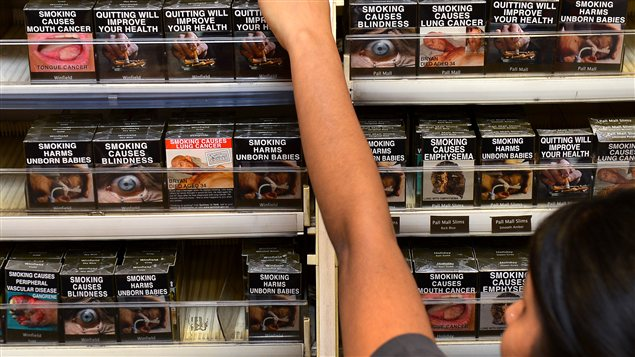 Les paquets de cigarettes en Australie sont tous pareils, peu importe la marque