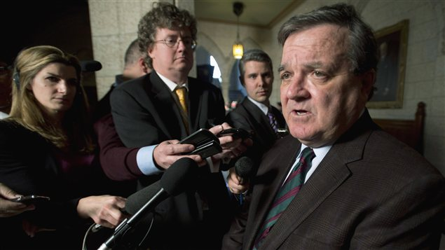 Le ministre des Finances Jim Flaherty  la sortie de la Chambre des communes  Ottawa le 3 dcembre 2012. 