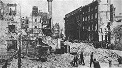La rue Sackville à Dublin, après l'insurrection de Pâques, en 1916. / © James Martin Miller