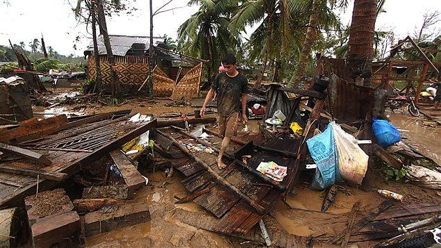 Des maisons ont été complètement détruites dans le sud de l'île de Mindanao, aux Philippines.