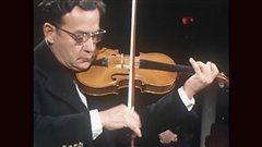<b>Ti-Jean Carignan en concert � la fin des ann�es 1970</b> | Archives de Radio-Canada