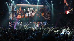 The Who livre une performance au concert-b�n�fice visant � venir en aide aux victimes de la temp�te Sandy � New York.