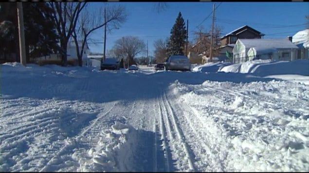 Une rue de Saskatoon enneigée, le 13 décembre 2012.
