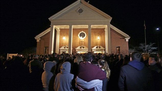 L'église Sainte-Rose-de-Lima était pleine vendredi soir.