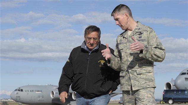 Le secrétaire américain de la Défense, Leon Panetta, arrive à la base d'Incirlik, dans le sud de la Turquie.