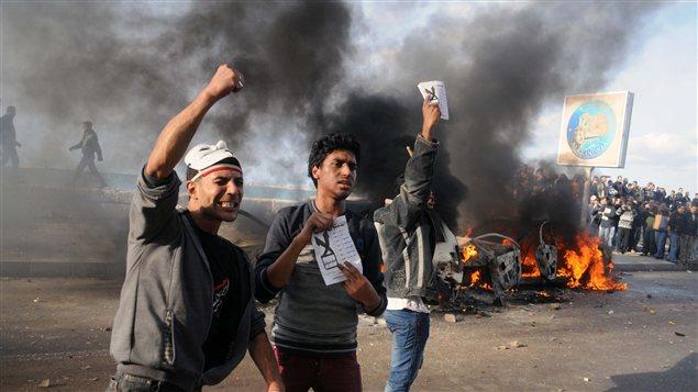 Alexandrie : des manifestants opposés au projet de constitution du président Morsi