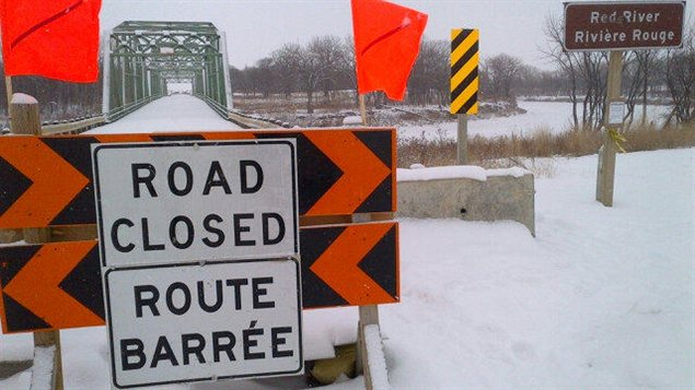 Le pont de la route 246, qui traverse la rivière Rouge, est fermé depuis octobre 2012.