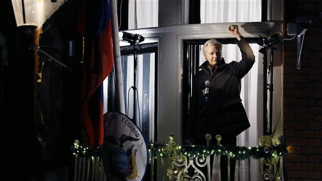 Julian Assange a fait une allocution du balcon de l'ambassade de l'quateur,  Londres.