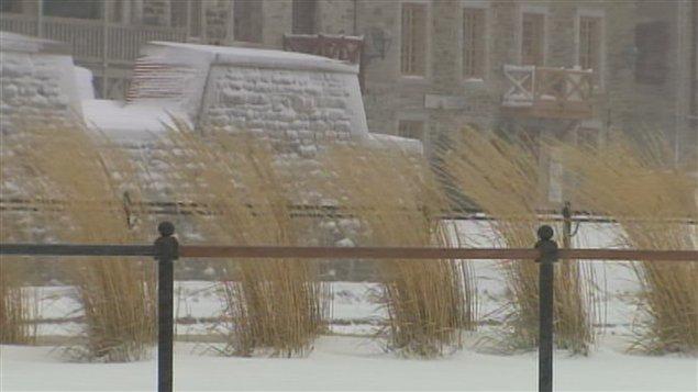 La neige et le vent se font sentir dans la région de Québec