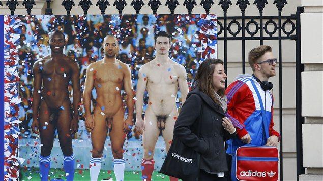 Une affiche pour annoncer l'exposition <em>Hommes nus</em>, du musée Léopold de Vienne, a entraîné une controverse en Autriche |© Alexander Klein / AFP