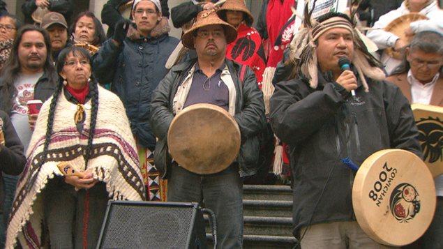 Des manifestants du mouvement Idle No More à Vancouver