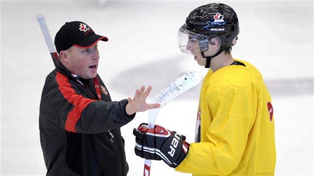 L'entraîneur Steve Spott et l'attaquant Ryan Nugent-Hopkins
