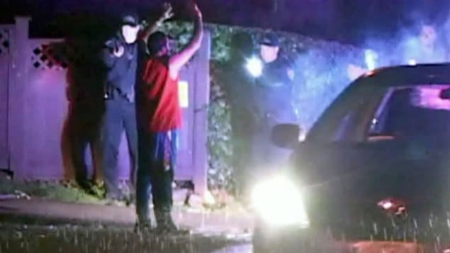 Un homme de Delta a été maîtrisé au pistolet Taser par les policiers, vendredi soir, parce qu'il refusait de coopérer