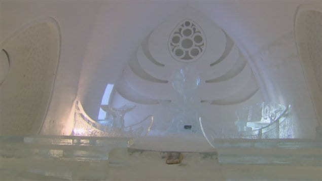 L'intérieur de l'Hôtel de glace