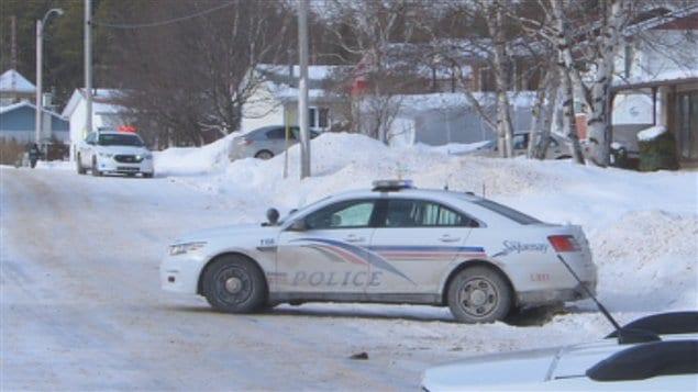 Un homme barricadé tient les policiers en haleine à Chicoutimi-Nord