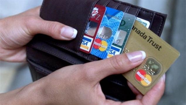 Pour Philippe Viel, responsable des communications à l'Union des consommateurs, c'est une bonne nouvelle en termes d'accessibilité à l'information.  Reste toujours à savoir, ajoute M. Viel, combien il en coûtera pour s'abonner à une chaîne à la carte. « Si le bouquet coûte 30 $, est-ce que chaque chaîne va coûter 20 $? C'est ce qu'on doit voir. »