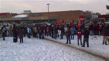 Des manifestants du mouvement Idle No More à Hamilton