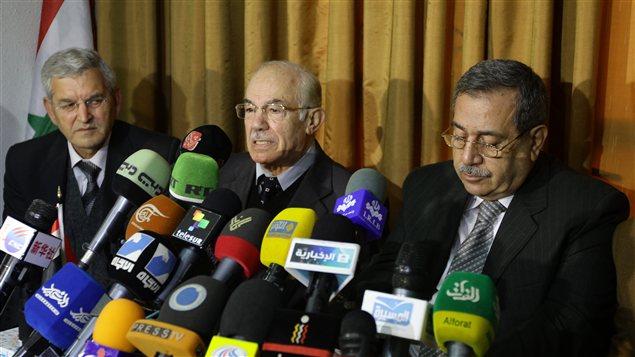 Les dirigeants du CCCND Hassan Abdel Azim (centre), Raja Nasir (à droite) et Akram al-Akrami (à gache)