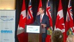 Le premier ministre de l'Onatario, Dalton McGuinty, parle pour la première fois en public depuis l'annonce de son départ.