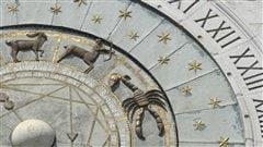 Détail d'une ancienne horloge montrant les signes du zodiaque, à la Piazza dei Signori, à Padoue, en Italie  | © iStock
