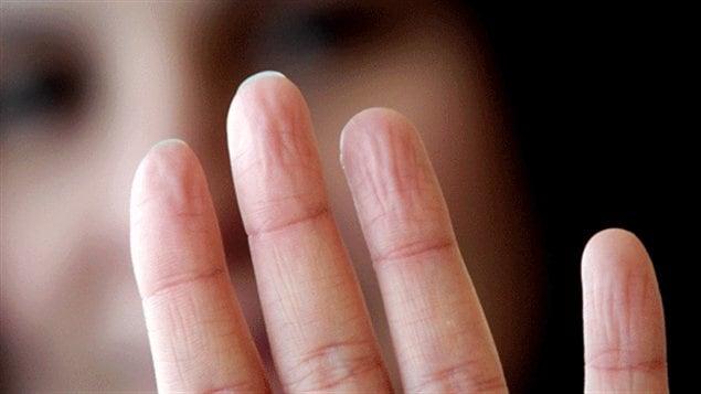Des doigts fripés