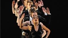 Le Ballet British Columbia dans �Petite c�r�monie�, pr�sent�e au Centre national des arts d'Ottawa.