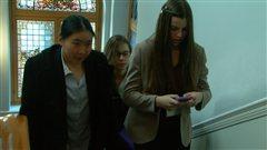 Des jeunes dans l'Assemblée législative à Victoria