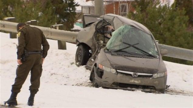 La voiture de la victime, M. Hébert Bouliane, après l'impact avec la camionnette