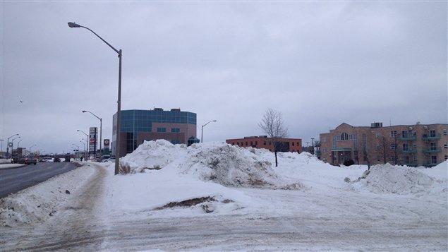 Emplacement du futur immeuble résidentiel de Réseau Sélection, dans le centre-ville de Rouyn-Noranda