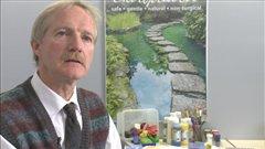 L'artiste Stuart McIntosh de Saskatoon