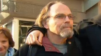 Karl Lilgert se présente au début de son procès criminel à Vancouver, le 17 janvier 2013.