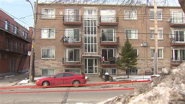 L'endroit où a eu lieu le meurtre dans le quartier Saint-Michel à Montréal.