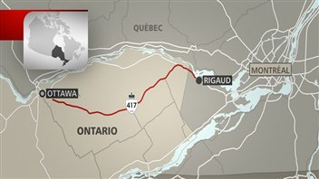 L'autoroute 417 est fermée entre Ottawa et la frontière québécoise en raison du mauvais temps.