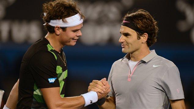 Le Canadien Milos Raonic et le Suisse Roger Federer à Melbourne