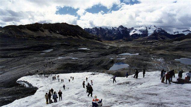 Le glacier Pastoruri, un des plus importants de la Cordillère blanche au Pérou, a perdu de grandes quantités de glace.