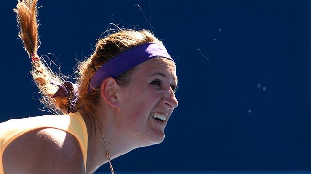 La Bélarussienne Victoria Azarenka a freiné le parcours de l'Américaine Sloane Stephens à Melbourne, avec une victoire de 6-1, 6-4 en demi-finale.
