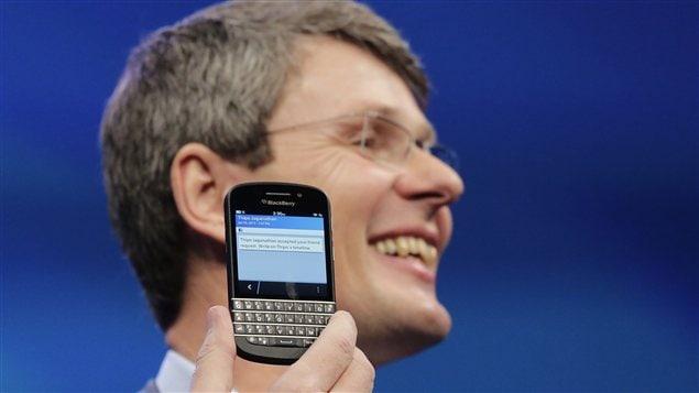 Le PDG de RIM, Thorsten Heins, et le BlackBerry Q10