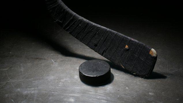 Un baton de hockey