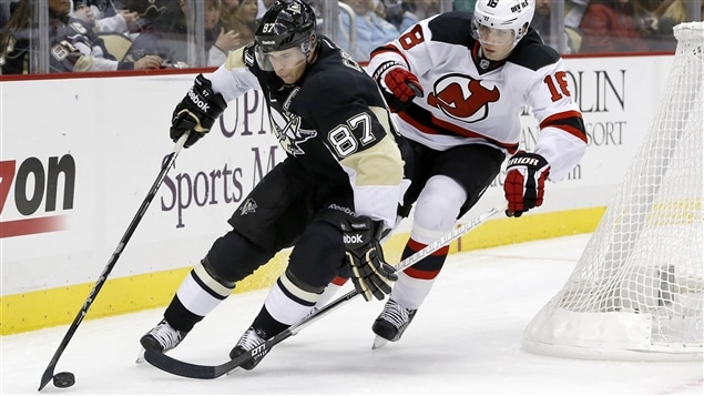Sidney Crosby (87) et Steve Bernier (18)