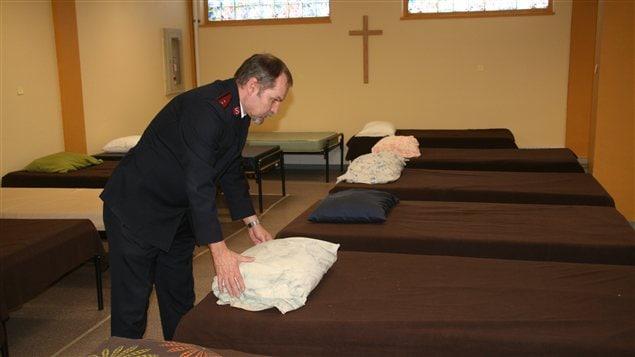 Des lits dans un refuge pour sans-abri de l'Armée du Salut à Regina