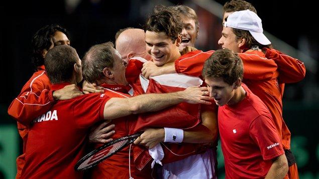 Milos Raonic et l'équipe canadienne de tennis