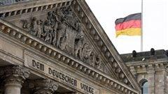 La devanture du Reichstag, à Berlin.